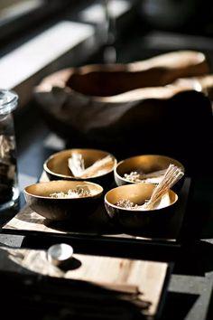 这样的新中式设计才够帅!! New Chinese, Chinese Style, Chinese Element, Mood And Tone, Mood Images, Id Design, Asian Decor, Tea Art, Oriental Fashion