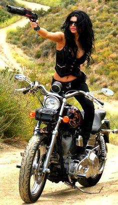 biker chick w/ gun. Hot look. Puts two of my passions together! Biker Chick, Biker Girl, Motos Sexy, Moto Biker, Biker Leather, Chicks On Bikes, Motos Harley Davidson, Ride Out, By Any Means Necessary