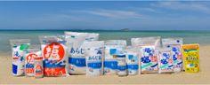 沖縄の海と沖縄の塩