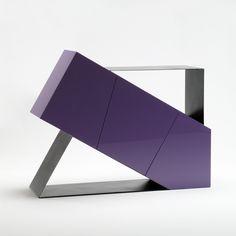 Mobile Violet in mdf laccato e metallo, design Stefano Mazzucchetti. www.stefanomazzucchetti.com