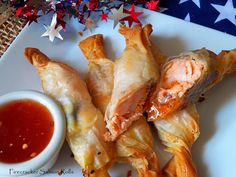 Firecracker Salmon Rolls celebrating Fourth of July with Family and Friends How do family and friends celebrate the Fourth of July? By pulling out all the. Salmon Recipes, Fish Recipes, Seafood Recipes, Cooking Recipes, Recipies, Cooking Fish, Seafood Dishes, Fish And Seafood, Finger Food Appetizers