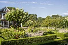 ina-garten-garden-east-hampton-habituallychic-001