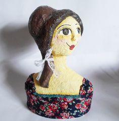 Busto Boneca de Papel machê