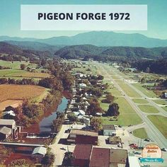 Pigeon Forge So sad! Look how good you can see the mountains 🏔❤️ Mountains In Tennessee, East Tennessee, Great Smoky Mountains, Tennessee Fire, Tennessee Waltz, Nc Mountains, Tennessee Smokies, Gatlinburg Tennessee, Tennessee Hiking