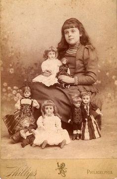I love Victorian dolls - Cabinet Photo Victorian Girl Bisque Doll Collection Vintage Children Photos, Children Images, Vintage Pictures, Vintage Images, Victorian Dolls, Antique Dolls, Vintage Dolls, Child Doll, Girl Dolls
