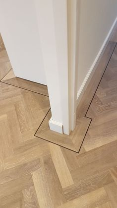 Foyer Flooring, Wooden Flooring, Home Renovation, Home Remodeling, Planchers En Chevrons, Pose Parquet, Wood Floor Design, Refinishing Hardwood Floors, Floor Decor