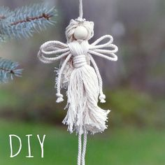 How to Make Angel Easily Christmas Ideas WonderHowTo Christmas Makes, Christmas Angels, Christmas Crafts, Xmas, Christmas Ideas, Christmas Ornaments, Christmas Poinsettia, Crochet Christmas, Holiday Themes