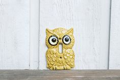 Vintage Kitsch Owl Switch Plate / 1970s Retro Yellow Light Switch / Mid Century Funky Owl Home Decor on Etsy, $10.00