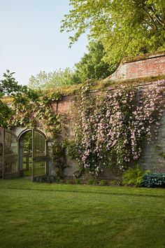 The exquisite private gardens of Petworth House – Garten Ideen Diy Garden, Garden Cottage, Dream Garden, Shade Garden, Garden Landscaping, Home And Garden, The Garden Room, Sunken Garden, Walled Garden