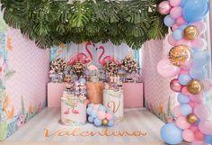 Flamingo Birthday Party Ideas - PARTYLOVIN Dumbo Birthday Party, Girl Birthday Themes, Flamingo Birthday, Luau Birthday, Flamingo Party, Birthday Parties, Unique Party Themes, Kids Party Themes, Birthday Party Decorations