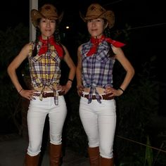 Pin for Later: 33 DIY Country Girl Costumes Sister, Sister
