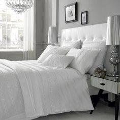 Casa Volmari: Sängynpääty etsinnässä
