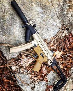 decked out … – All Pictures Military Weapons, Weapons Guns, Guns And Ammo, Battle Rifle, Gun Art, Submachine Gun, Concept Weapons, Custom Guns, Cool Guns