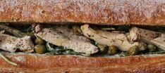 Pollo 'tonnato' EN BOCADILLO Tapas, Sandwiches, Poultry, Vegetarian Recipes, Eat, Cooking, Kitchen, Food, Gastronomia