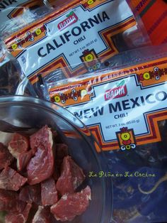 Carne Con Chile Rojo (Beef and Red Chile) Best Mexican Recipes, My Recipes, Cooking Recipes, Favorite Recipes, Pork Recipes, Recipies, Mexican Burger, Beef Tamales, Beef Chuck Roast