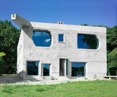 Customized mimicry for the anti-villa | Architecture at Stylepark