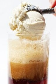 Vanilla Vodka Root Beer Float...ohh this sounds soo good!!