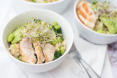 Salades worden vaak gemaakt met pasta of aardappel. Een rijstsalade zien we minder en dat is zonde. Deze Wasabi-rijstsalade met groene groenten is héérlijk.