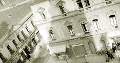 """Vista de la esquina de Santo Domingo con 21 de Mayo en 1952, desde la altura de la Iglesia de los Dominicos. Se observan la """"plaza""""..."""