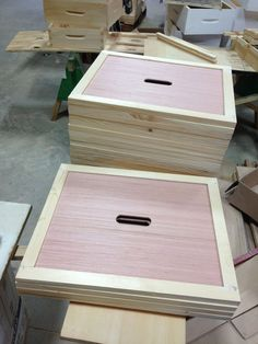 honey-page-beehive-construction