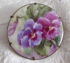 """VICTORIAN """"HAND PAINTED PANSY  FLOWER"""" BROOCH"""