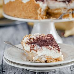 This old-school dessert is making a revival on dinner party menus of those in the know, and we know why… it's delicious! Old School Desserts, Dinner Party Menu, Banoffee Pie, Chocolate Cream Cheese, Sweet Tooth, Food And Drink, Cooking Recipes, Sweets, Pastries