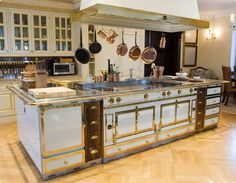 If I ever win the Lotto, I'll have an entire La Cornue kitchen (just not in white)!