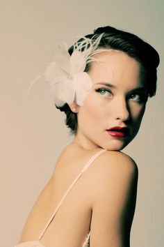 Tore this picture out for wedding inspiration, it's so very chic too me...