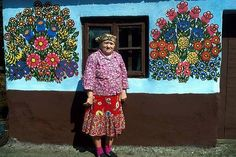 Painted Houses by the Women of the Zalipie Region - Credit: © Michel Setboun