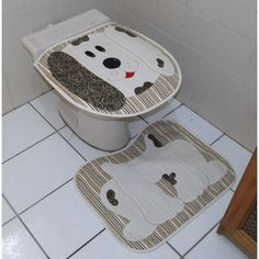 Conjunto de Banheiro Cachorro Marrom - Letra V