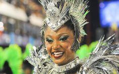 'Estou muito ansiosa e feliz. É minha primeira vez aqui no Rio', disse Camila Silva, rainha de bateria da Mocidade Independente de Padre Miguel