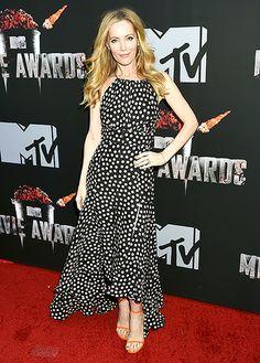 Leslie Mann wears a polka dot dress by Juan Carlos Obando at the 2014 MTV Movie Awards