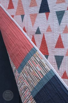 Pointed Statement by Amy Friend - I love the quilting on this.