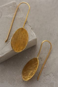 Hammered Disc Earrings #anthrofave #anthropologie.com