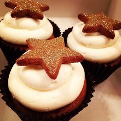 Gingerbread #cupcakes. Golden syrup buttercream. Spangly gingerbread star. #bitsyscupcakery — by bitsyscupcakery > http://ift.tt/18eqEu6