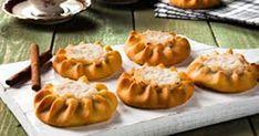 Συνταγή για Κρητικά παραδοσιακά λυχναράκια (Σκαλτσούνια) Υπέροχο παραδοσιακό γλυκό....με σίγουρη επιτυχία,και υπομονή γιατί απαιτεί χρόνο. Greek Beauty, School Snacks, Greek Recipes, Pumpkin Carving, Healthy Snacks, Recipies, Cookies, Sweet, Desserts