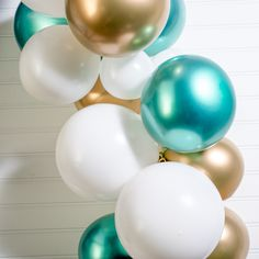 Balloon decorations are a cheap way to add a splash of color to any party of any size, and at Shindigz you'll find ways to make the process even easier. Balloon Arch Diy, Balloon Backdrop, Balloon Garland, Balloon Ideas, Diy Garland, Party Ballons, Helium Balloons, 21st Birthday Decorations, Balloon Decorations Party