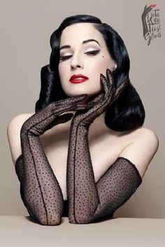 Do you love Dita Von Teese as much as we do? Here are some great fashion and beauty tips inspired from Dita Von Teese's style. Read more to find out how to dress and look like her! Looks Vintage, Pin Up Vintage, Mode Vintage, Vintage Gloves, Vintage Glam, Vintage Inspired, Dita Von Teese Style, Dita Von Teese Makeup, Dita Von Teese Burlesque