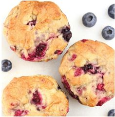 Maple Mixed Berry Muffins -- my new favorite recipe! They practically taste like cupcakes, not healthy at all! No but very YUMMY. Healthy Muffins, Healthy Sweets, Healthy Baking, Mixed Berry Muffins, Peach Muffins, Baking Recipes, Cake Recipes, Dessert Recipes, Maple Syrup Recipes