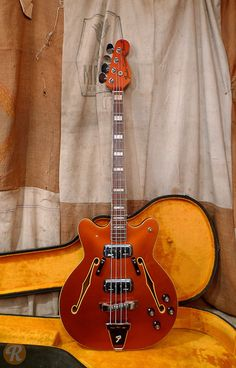 Built as an upgrade to the Coronado I, the Coronado II Bass added binding to the F-holes, block inlays, and a second pickup at the bridge position.