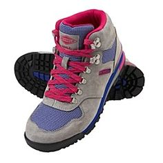 This is the Eagle Origins boot from Merrell. They remind me of a pair of Nike hiking boots I had had over 15 years ago. I'm glad Athleta took a risk and decided to carry them this fall.