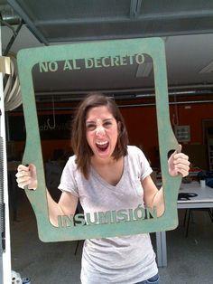 Apoyando las reivindicaciones universitarias de 2012. ETSA de la Universidad de Sevilla.