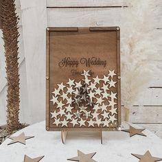 とっても可愛いおしゃれな刻印ボードのハートドロップスです。ナチュラルウッドのフレームは木材の温かみを感じることができる素敵な素材でご結婚式の祝福の場にぴったりのアイテムです。『★オススメポイント①』チップは、ハートチップ、スターチップ、からいずれかを選択... Stars, Happy, Wedding, Home Decor, Valentines Day Weddings, Decoration Home, Room Decor, Sterne, Ser Feliz