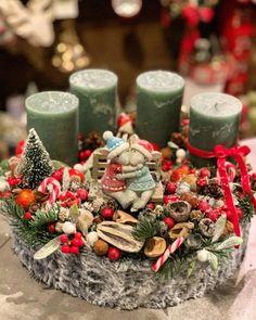 Rose Gold Christmas Decorations, Christmas Advent Wreath, Christmas Jars, Christmas Scenes, Christmas Design, Xmas Decorations, Winter Christmas, Holiday Decor, Christmas Is Coming