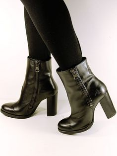 High-heeled lux boots