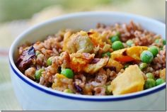 Pink Rice with Roasted Butternut Squash, Onion, and Green Peas (vegan, gluten free) #choosingraw