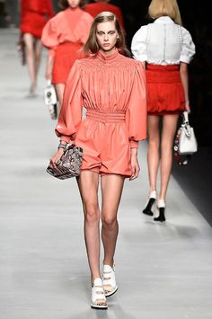 Fendi spring/summer 2016 collection show pictures | Harper's Bazaar