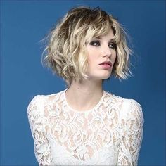 Short Bob Hairstyles have been in fashion in one form or another for decades. One can customize the Very Short Bob Hairstyles to match her personality. Natural Wavy Hair, Short Wavy Hair, Natural Hair Styles, Bohemian Short Hair, Thick Hair, Wavy Bob Hairstyles, Trending Hairstyles, Pixie Haircuts, Ladies Hairstyles