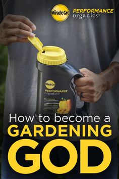 Organic Gardening Go organic without sacrificing performance. - You're only a few simple steps away from growing your own organic veggies and herbs! Garden Soil, Fruit Garden, Edible Garden, Lawn And Garden, Garden Beds, Vegetable Garden, Growing Plants, Growing Vegetables, Outdoor Plants