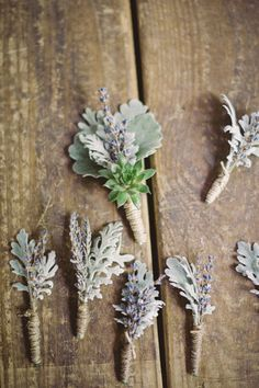 lavender boutonnieres   Photography by http://www.amandascottphotography.com/index2.php